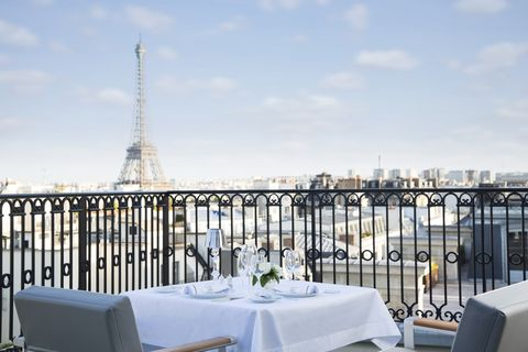 Restaurante azotea con vistas a la Torre Eiffel