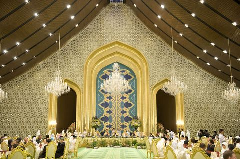 prince of wales  the duchess of cornwall attend sultan of brunei banquet   brunei