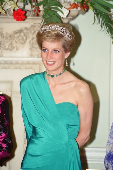 royal family jewelry emeralds