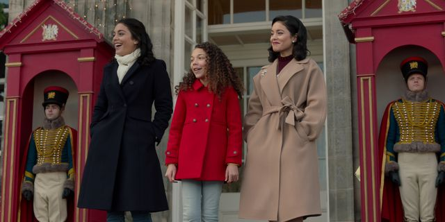 the princess switch switched again mia lloyd as olivia c, vanessa hudgens as stacy  margaret  fiona in the princess switch switched again cr mark mainznetflix © 2020