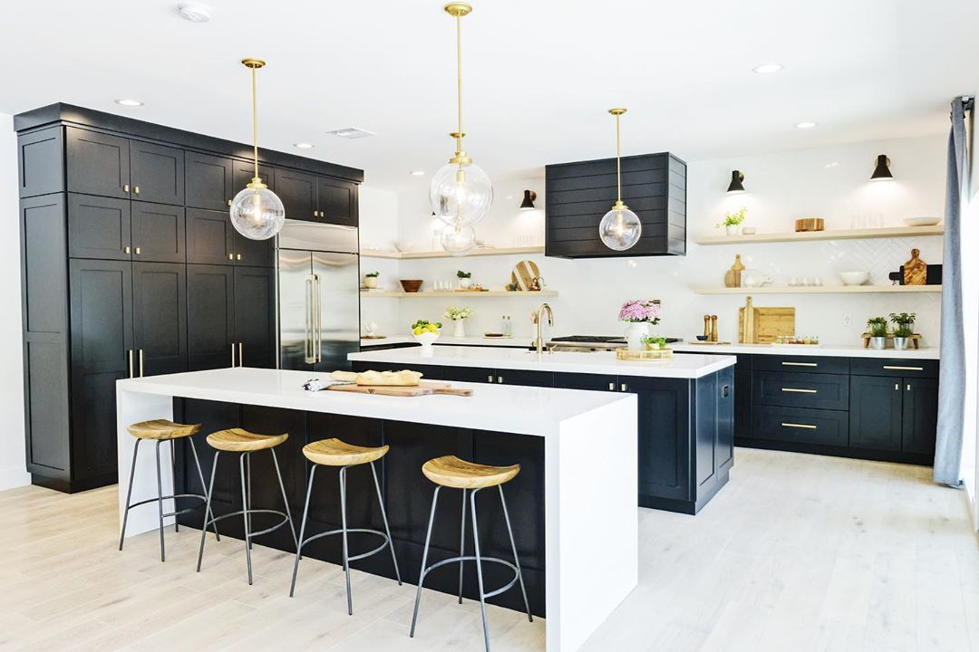 The Property Brothers Designed A Kitchen With Two Islands Aka Sisters Islands