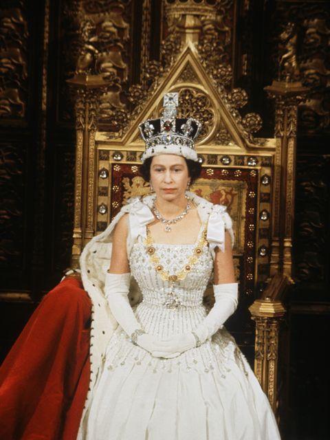 reine à l'ouverture du parlement