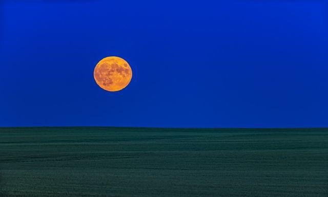 full moonrise on apollo 11 launch anniversary night