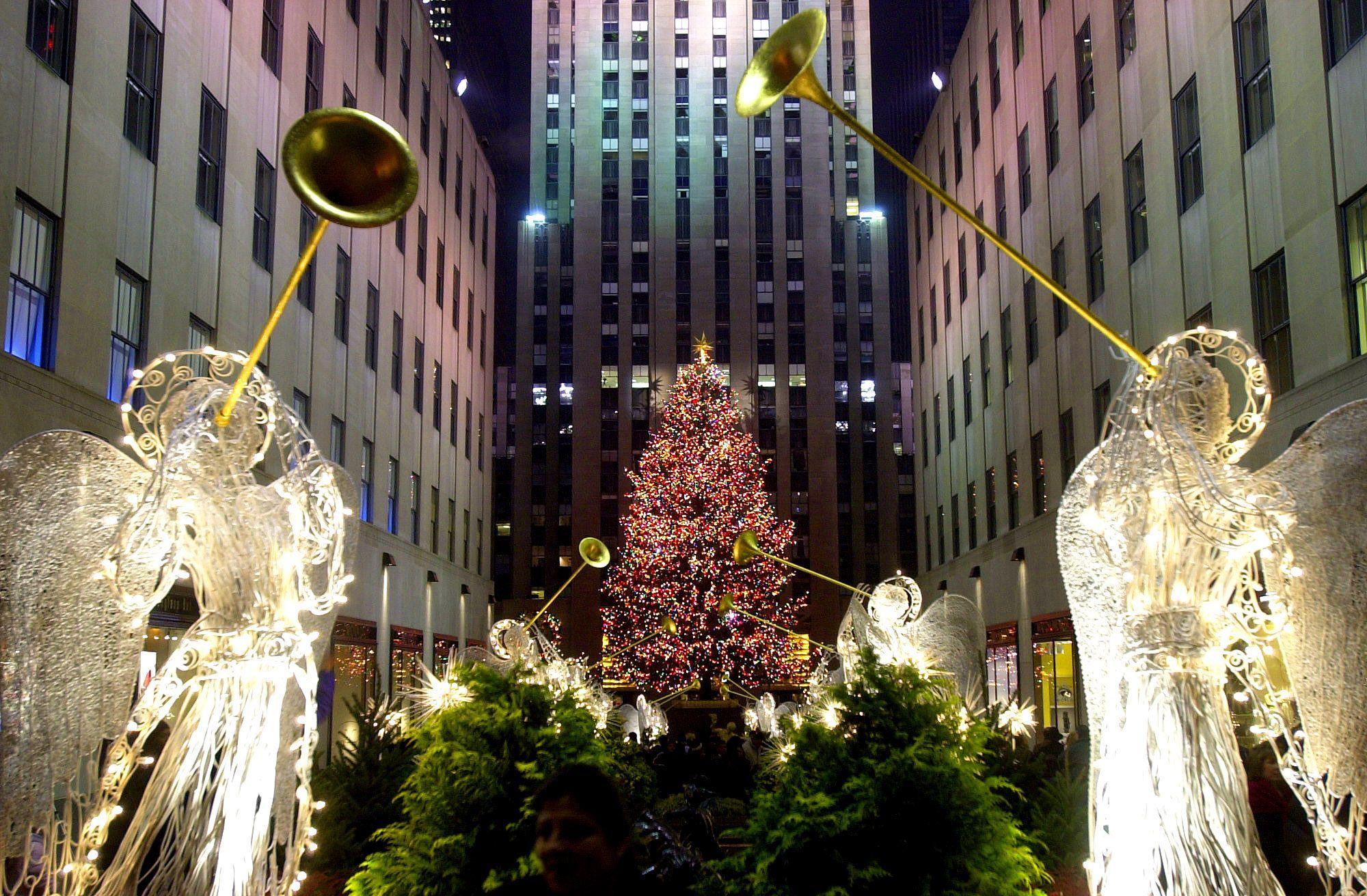 τα φώτα των Χριστουγέννων φέρνουν το χριστουγεννιάτικο πνεύμα