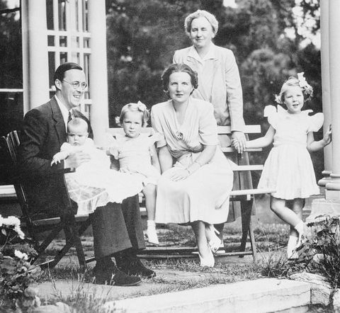 royal dutch family posing outdoors