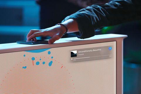 la tecnología nfc del televisor the serif, de samsung