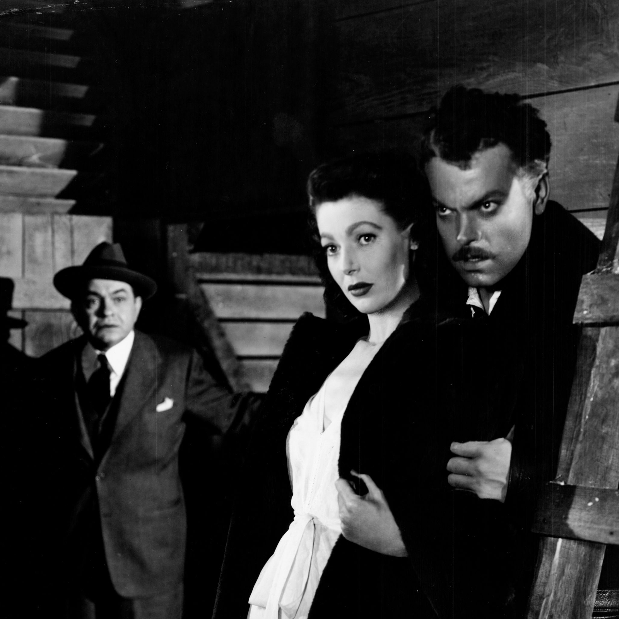 The Stranger (1946) Orson Welles directs and stars in this post-war thriller about a UN war crimes investigator who hunts down a former Nazi (Welles), who has settled in an unassuming small town in Connecticut.