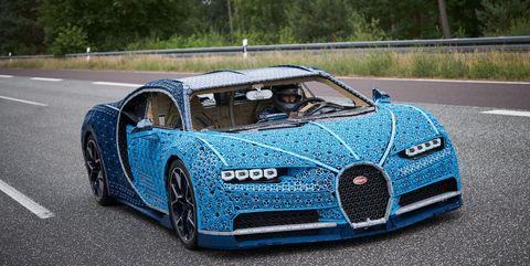 Land vehicle, Vehicle, Car, Bugatti veyron, Blue, Bugatti, Automotive design, Supercar, Sports car, Performance car,