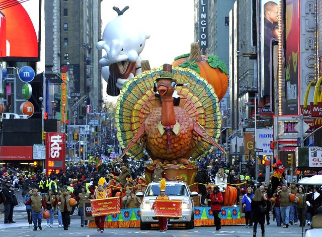 the thanksgiving turkey float  during th