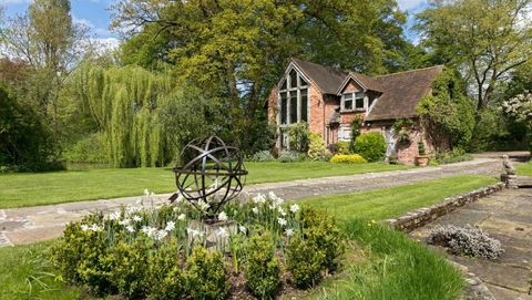 Medieval Granary In Shakespeare Country For Sale