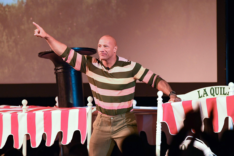 Dwayne Johnson 'The Rock' nos abre su bolsa del gimnasio y hay una de cosas para flipar