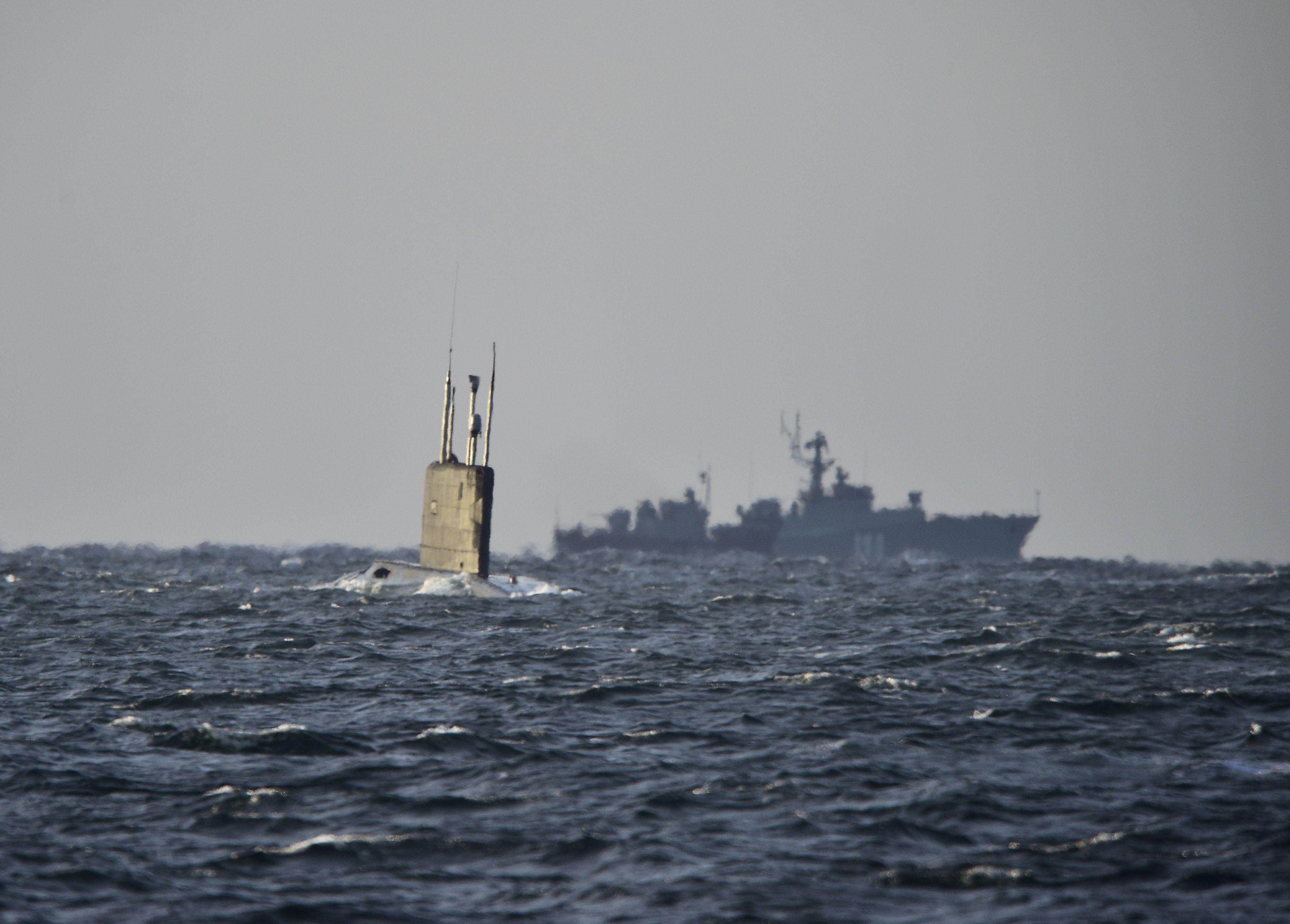 A Fire Engulfs Top Secret Russian Submarine, Killing 14 Sailors