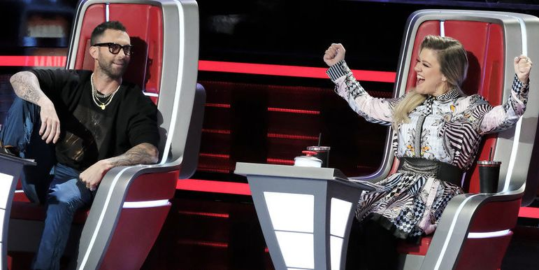 Here's What 'The Voice' Coaches Do During Commercial Breaks