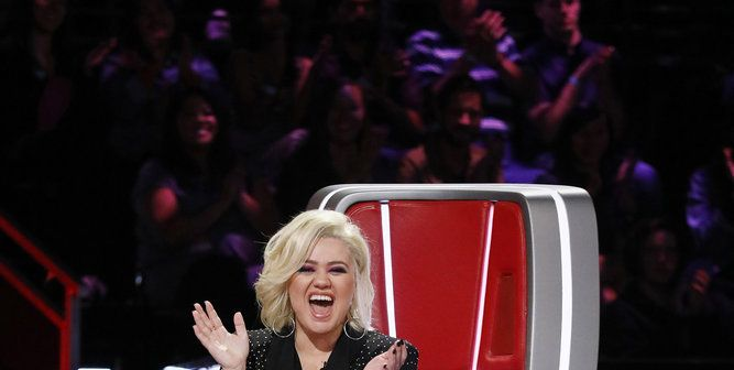 "Kelly Clarkson Says She Wants ""Out"" Of 'The Voice' After This Dramatic Audition"