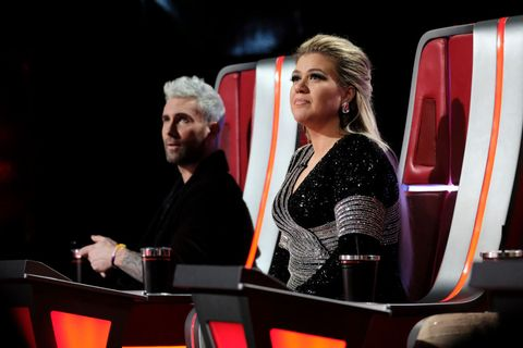 the voice kelly clarkson reacts adam levine leaving