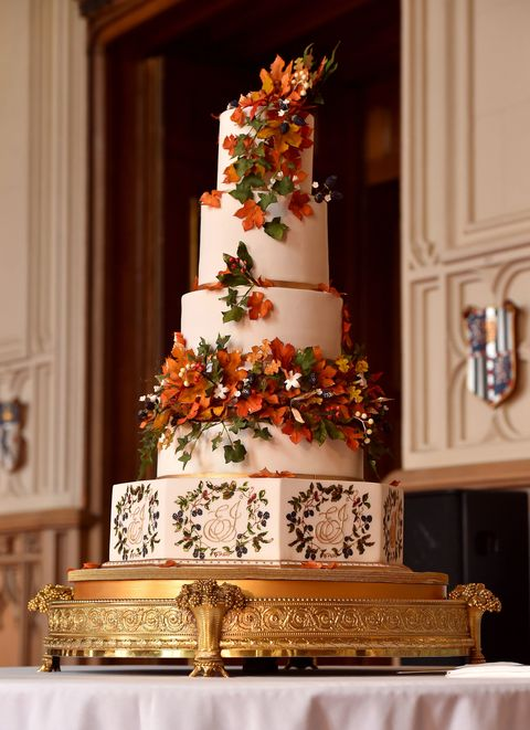 Royal Wedding Princess Eugenie S Autumn Themed Red Velvet And