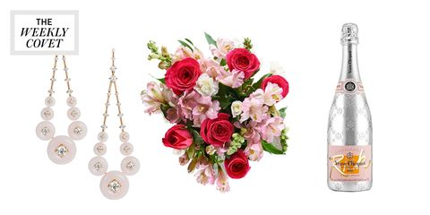 Cut flowers, Product, Flower, Rose, Plant, Artificial flower, Bouquet, Floristry, Glass bottle, Flower Arranging,