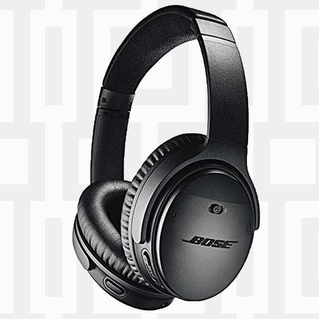 Headphones, Gadget, Audio equipment, Headset, Electronic device, Technology, Ear, Organ, Audio accessory, Microphone,