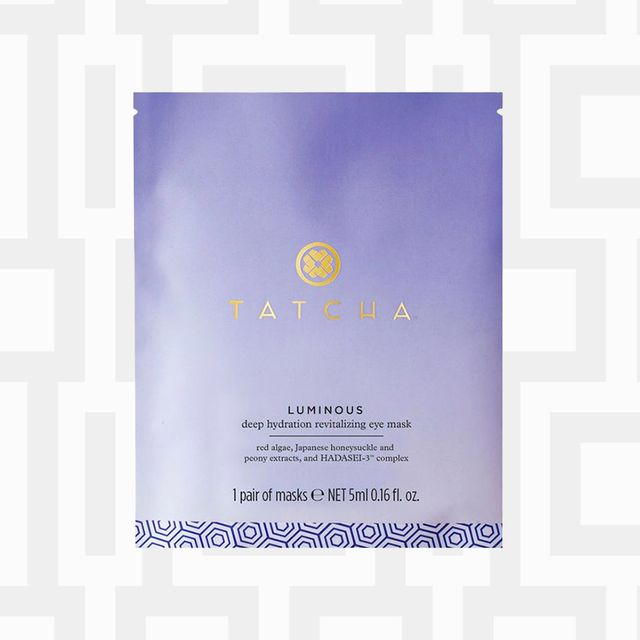 Product, Water, Beauty, Skin, Fluid, Liquid, Spray, Skin care, Material property, Moisture,