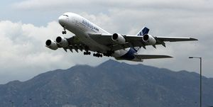 The world's largest passenger plane, Air
