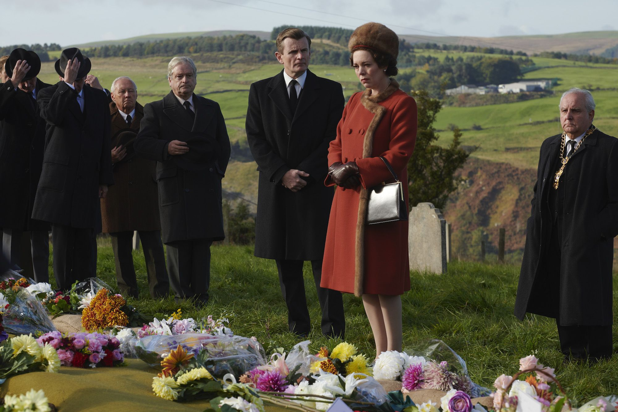 """The True Story of Queen Elizabeth's """"Fake Crying"""" in Aberfan on 'The Crown'"""