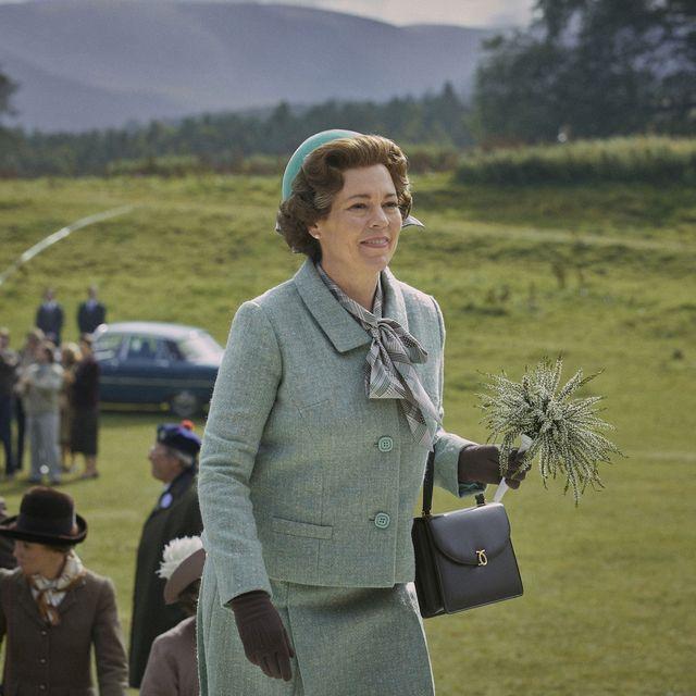 the crown s4 picture shows queen elizabeth ii olivia colman filming location rothiemurchus, scotland