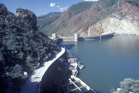 theodore roosevelt dam at theodore roosevelt lake, az