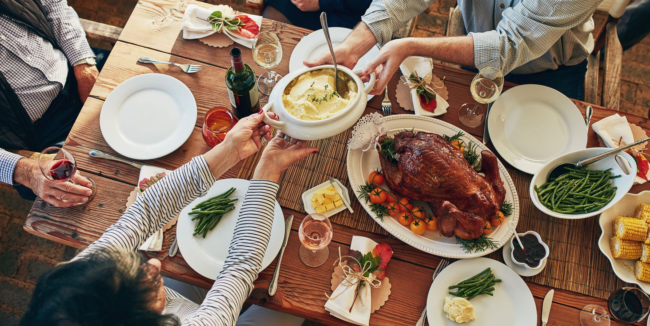 How to Save Hundreds of Calories at Thanksgiving Dinner, According to Nutritionists