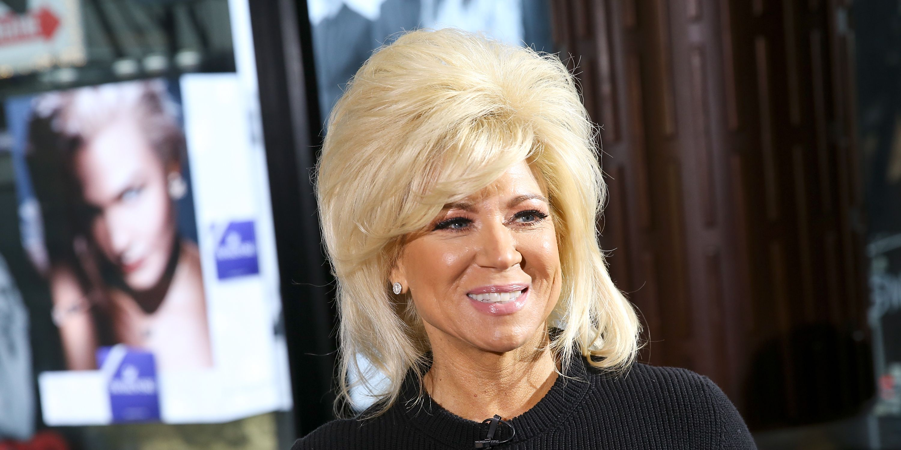 how to get a reading with long island medium theresa caputo