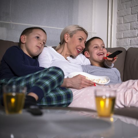 things to do at home kids family_movie night