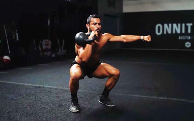 全身に火がつく、ケトルベルとボディウエイトによる爆発的ワークアウト,ケトルベル,ボディウエイト,ワークアウト,上級者向け,筋トレ,トレーニング,kettlebell,bodyweight,workout,
