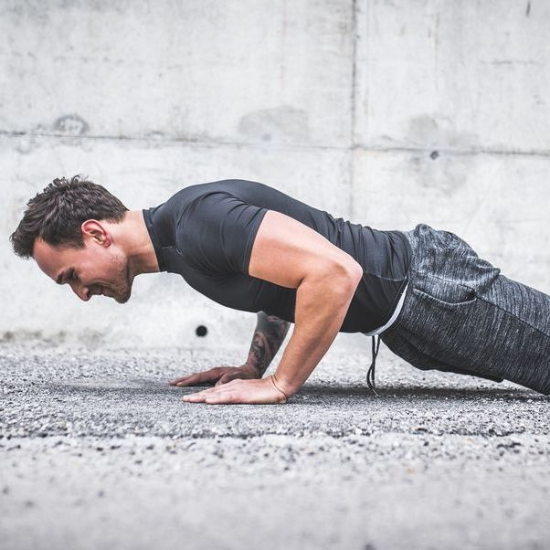 did 100 push ups every day for 30 days,30日間,100回の腕立て伏せ,毎日,筋肉の変化,効果,トレーニング,ワークアウト,筋トレ,