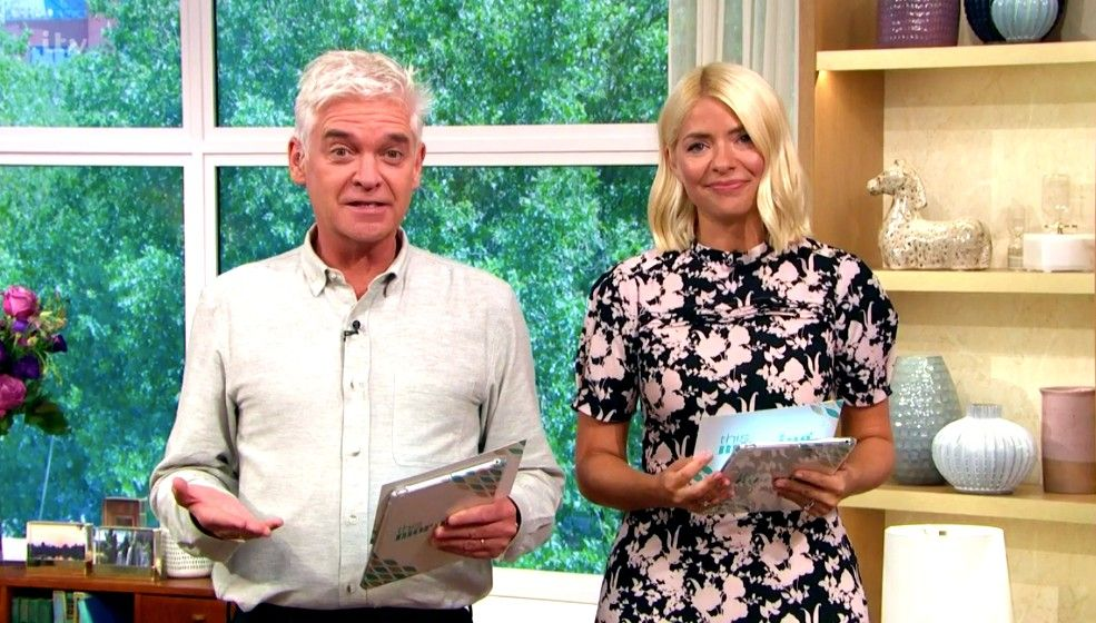 This Morning viewers hail the return of presenting duo Holly Willoughby and Phillip Schofield