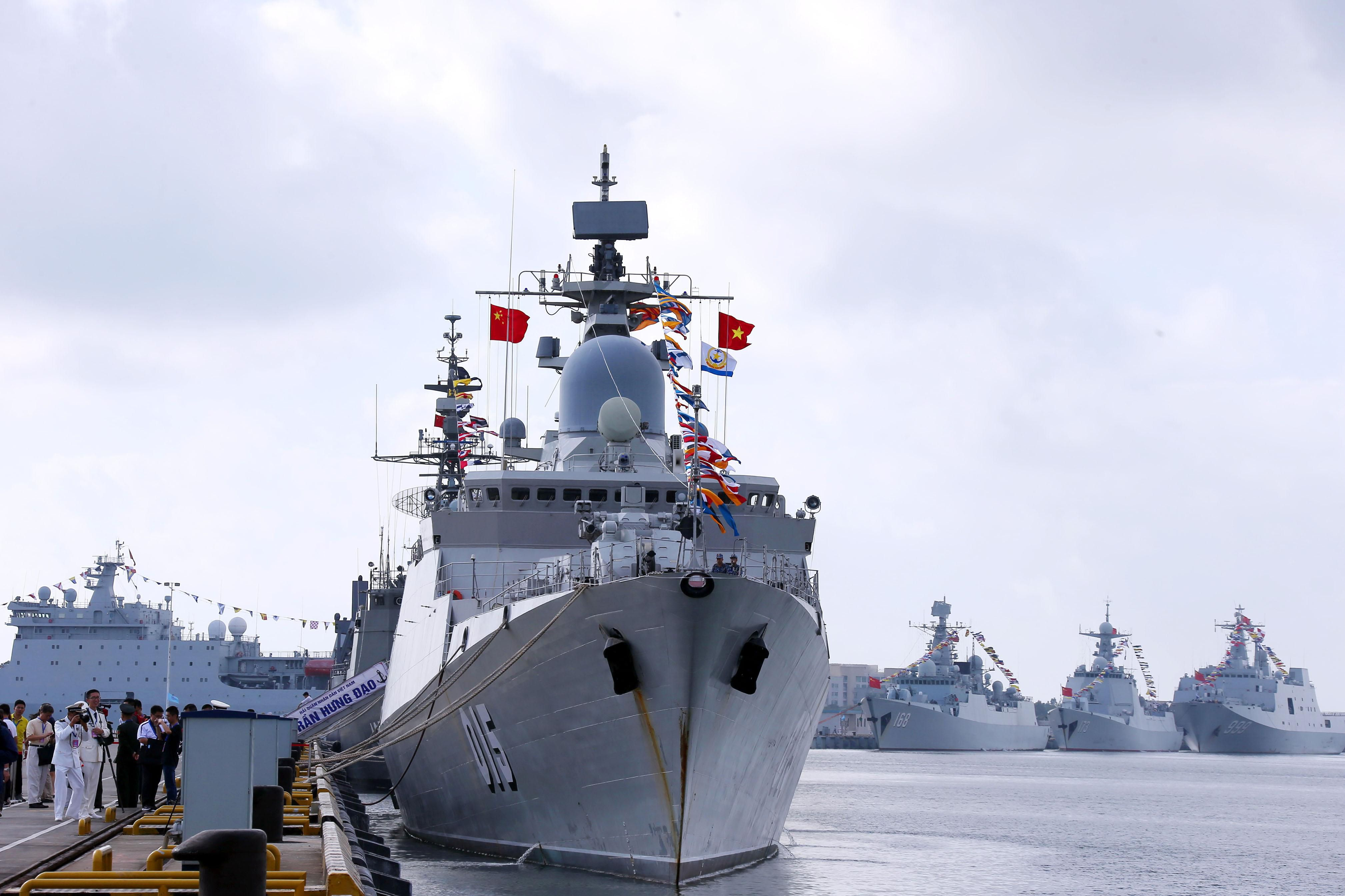 A Chinese Military Official Suggests Ramming U.S. Warships in the South China Sea