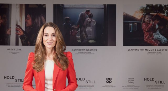 """the duchess of cambridge marks the end of """"hold still"""" community exhibition"""