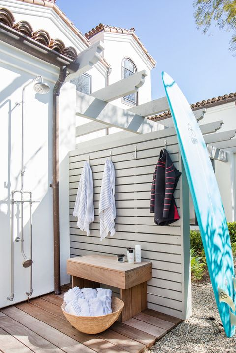18 Beautiful Outdoor Shower Ideas - Stunning Outdoor Shower ... on beach house design, dining room house design, outdoor bath house design, bedroom house design, porch house design, laundry house design, gym house design, toilet house design, balcony house design, bathroom house design, outdoor dog house design, pool house design, construction house design, nice furniture house design, storage shed house design, outdoor bathroom, patio house design, outdoor kitchen designs,