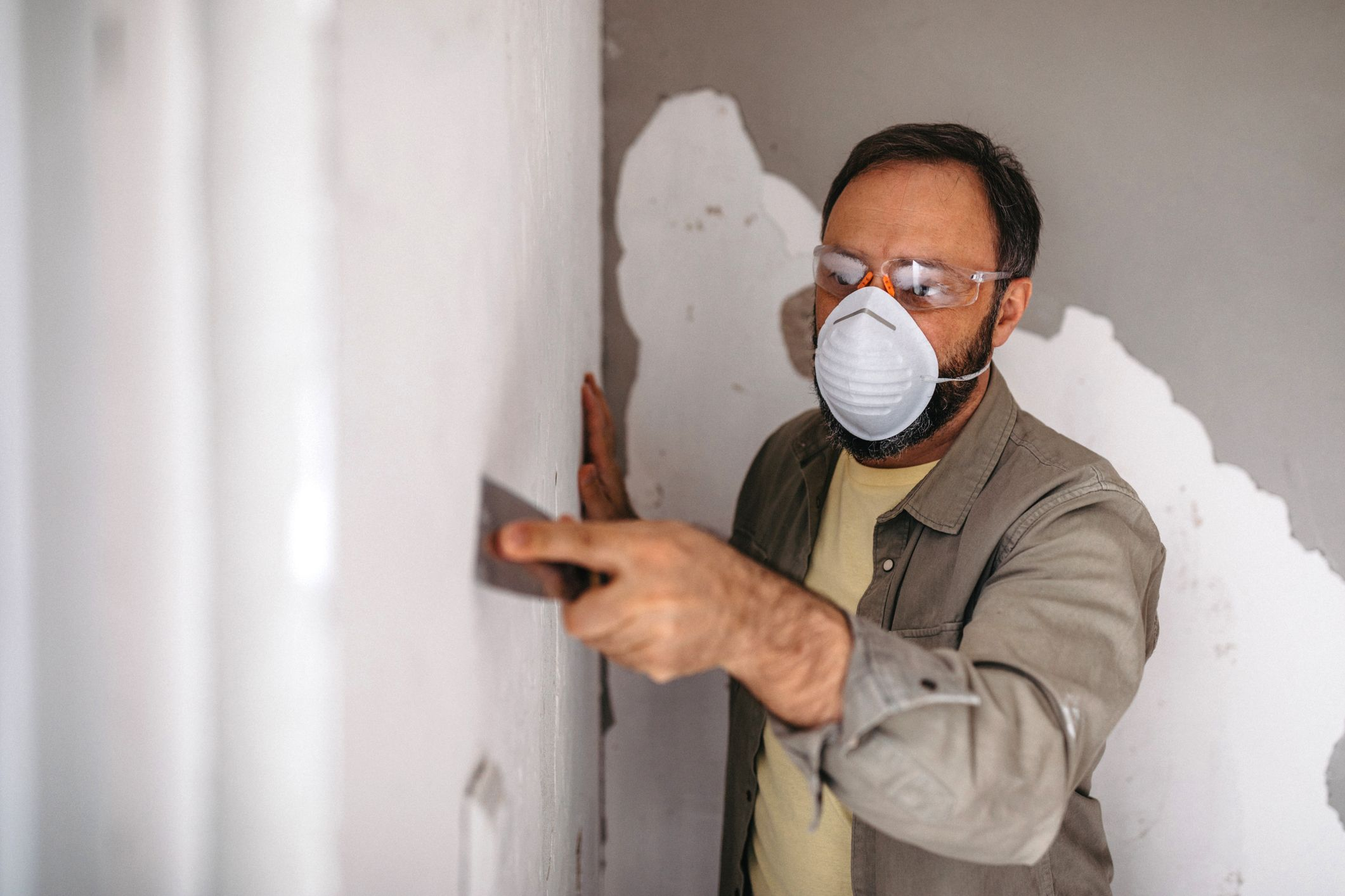 Drywall Repair - All the Ways to Fix Holes and Cracks in Drywall