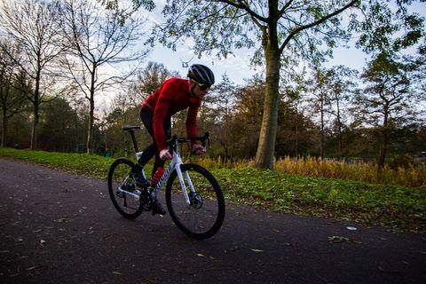 Thomas-bicycling-wintersets-Mavic-Cosmic-Thermo