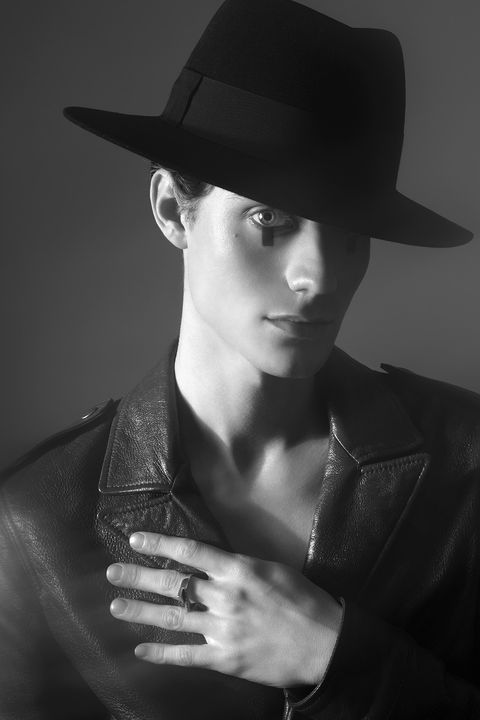 Black, Face, Hat, Beauty, Black-and-white, Fedora, Cool, Monochrome photography, Lip, Model,