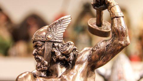 Thor met zijn hamer
