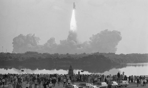 crowd observing columbia launch  - thousands of spectators line the indian river lagoon in news photo 1625074465 - The Space Shuttle Engines Will Rise Again