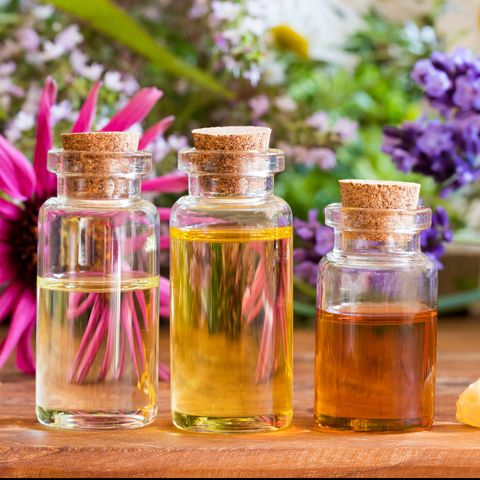 8 Essentials Oils for Headaches and Migraines - How to Use Essential Oils for Headaches