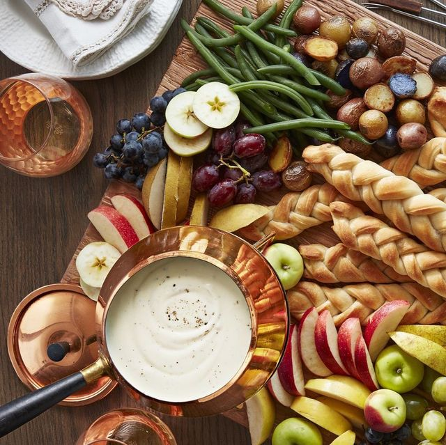 Easy Christmas Appetizers to Serve Before Your Big Holiday Dinner