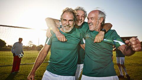 voetbal eerste voetbalwedstrijd voetbalveld oudste goal doel nederland sport kostschool gras