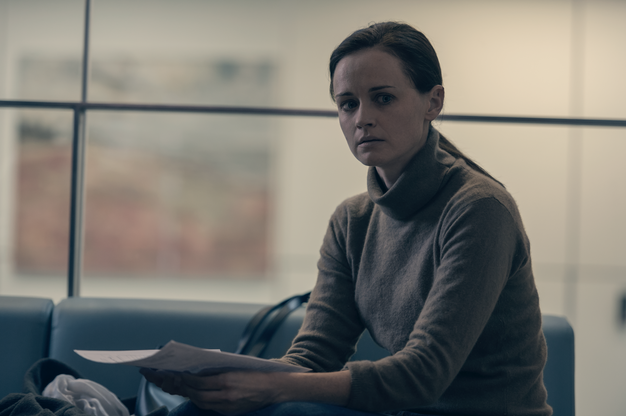 Alexis Bledel Breaks Down Emily's Post-Gilead Life and PTSD in The Handmaid's Tale Season 3
