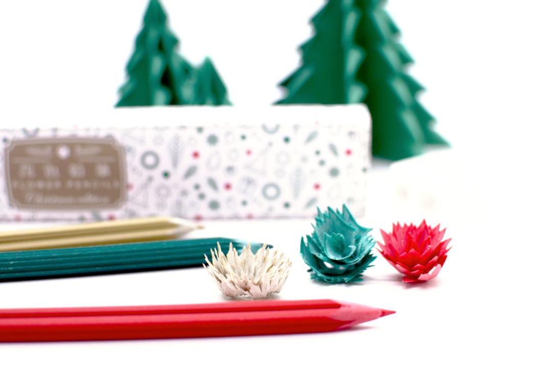 日本「花色鉛筆」推出聖誕節限定款!削下的筆屑竟然是超完美「聖誕樹」和「雪花片」!