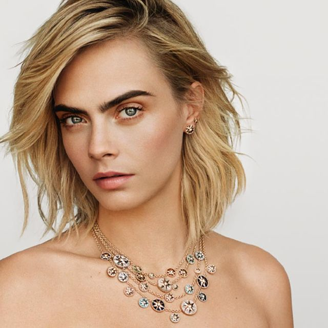 Hair, Face, Blond, Beauty, Skin, Hairstyle, Jewellery, Shoulder, Chin, Eyebrow,