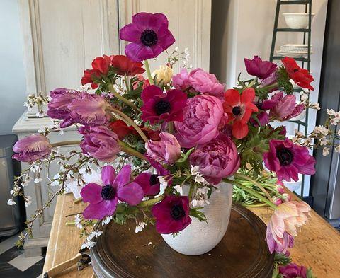 Lewis Miller floral arrangment