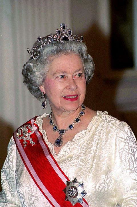 prague, czech republic   march 27  queen  at banquet at prague  castle during her visit to the czech republic  photo by tim graham photo library via getty images