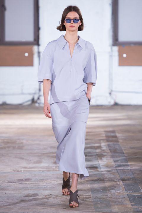 Fashion show, Fashion, Clothing, White, Fashion model, Runway, Eyewear, Shoulder, Street fashion, Waist,